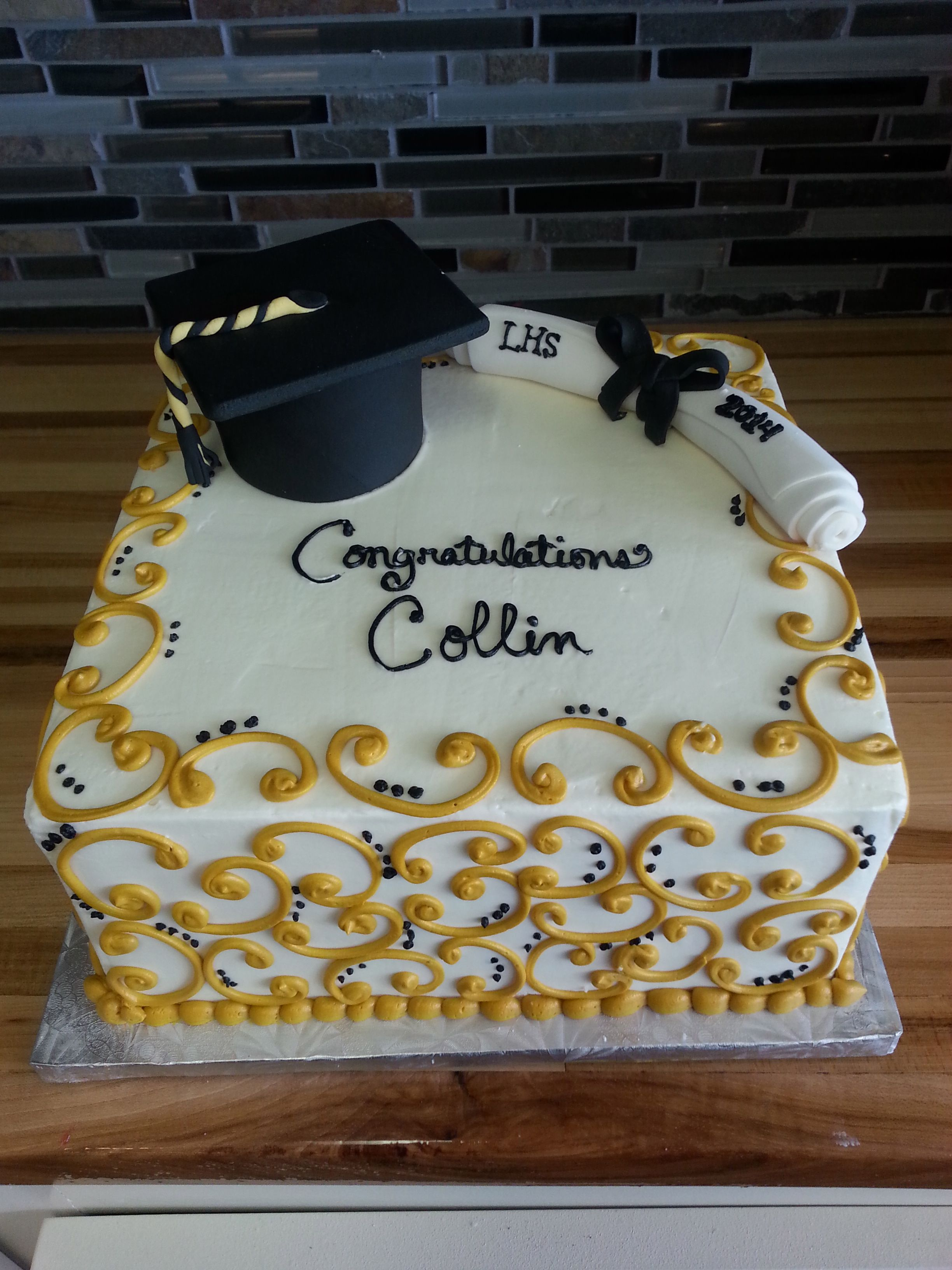 Graduation Sheet Cakes Black and gold graduat...