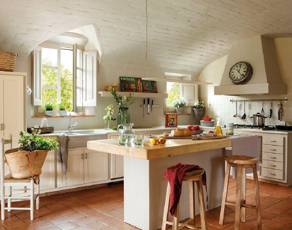 Adelaparvu despre casa rustica catalana cu interior elegant