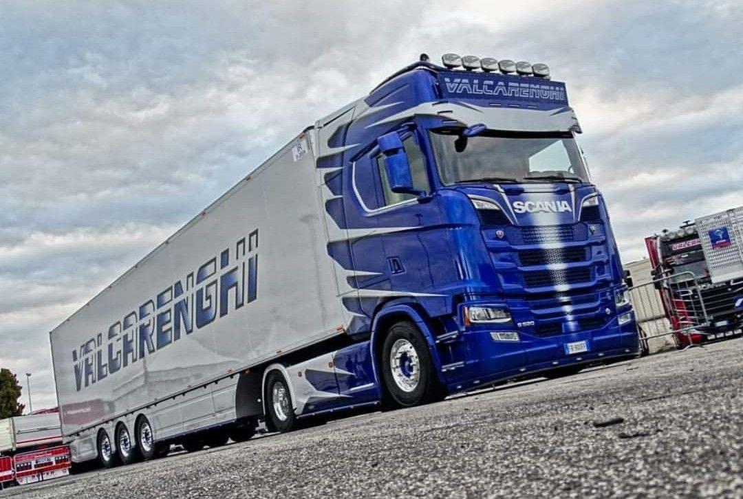 Pin by jirka on Volvo in 2020 Trucks