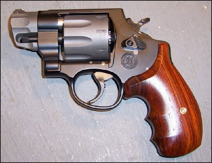 Mobili Smith ~ This smith and wesson shield mm has been given a stunning new