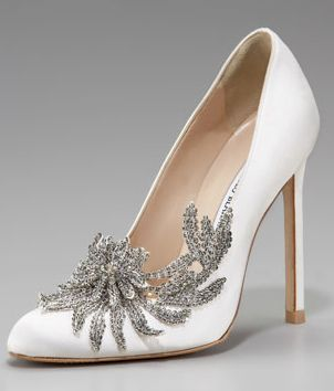 Bella Swan S Wedding Shoes From The Twilight Saga Breaking Dawn Part One I M Sorry They Re Ridiculously Gorgeous