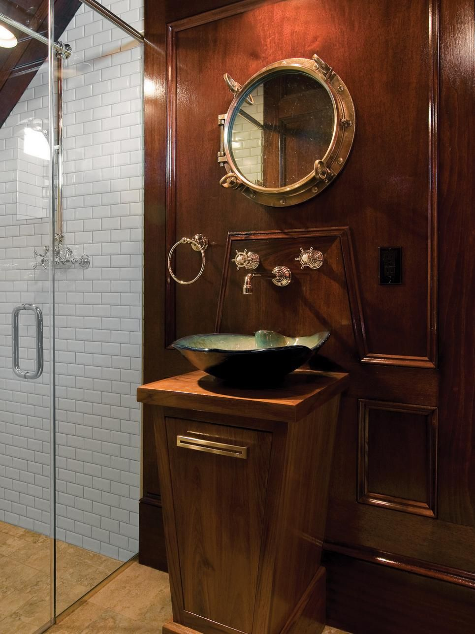 This Elegant Pool Bath Is Fit For The Captain S Quarters Of An Old Time Sailing Vessel