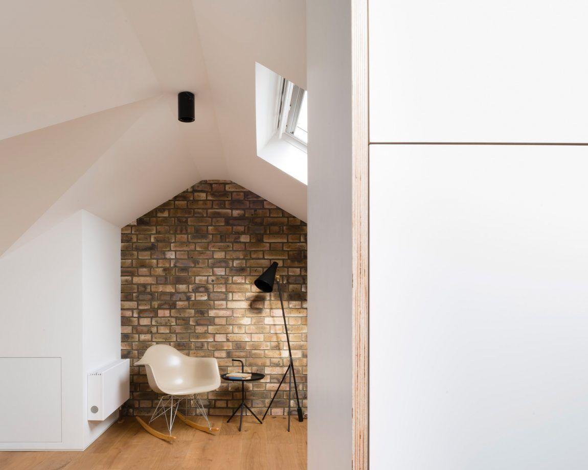 Inloopkast Op Zolder : Ruime inloopkast met master bedroom op zolder inloopkast