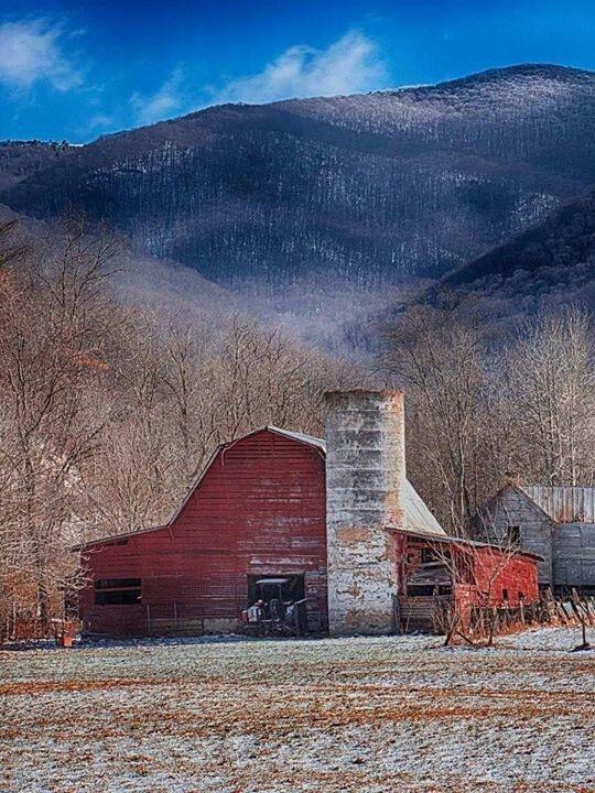 Idea by Sally Bachowski on Barns American barn, Old