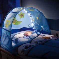 Kinder Betthimmel mit Lichterkette