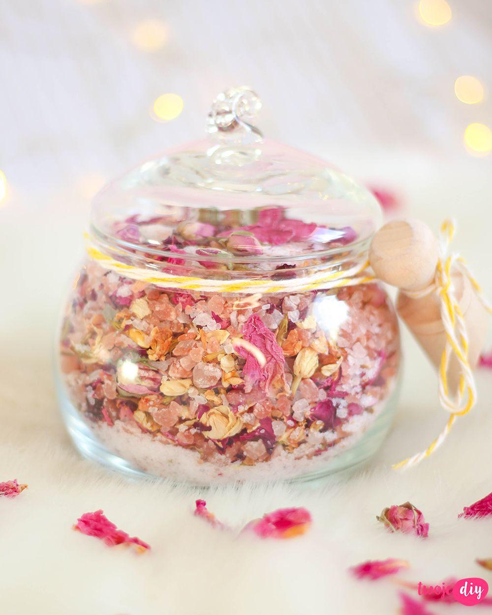 Kwiatowa Sol Do Kapieli Zrob To Sam Twoje Diy Diy Diy Gifts Diy Crafts