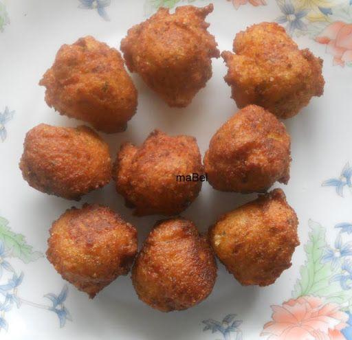fritters breadcrumbs  Pallotes, buñuelos de pan rallado  http://lacocinadeile-nuestrasrecetas.blogspot.com.es/2013/01/pallote-pan-rallado-queso-y-huevo.html