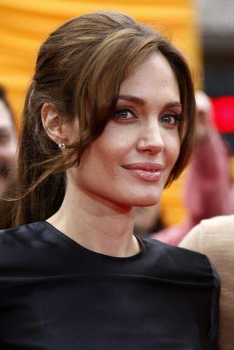 Berühmte Brünette Frisuren Frisuren Pinterest Angelina Jolie