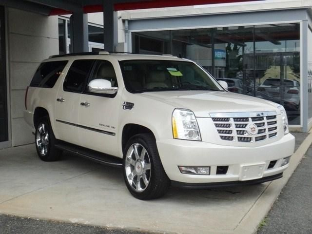 2013 Cadillac EscaladeESV Luxury AWD Luxury 4dr SUV SUV 4 Doors White for sale in Bel air, MD Source: http://www.usedcarsgroup.com/used-cadillac-for-sale-in-bel_air-md