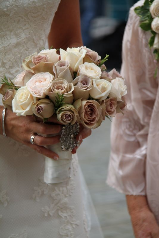 A fabulous vintage style posy #bridal bouquet with delicately ...