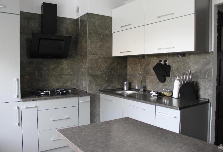 Mala Kuchnia W Bloku Kuchnia I Jadalnia Decor Kitchen Cabinets Kitchen
