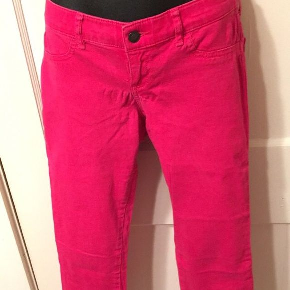 Two pairs of size 3 Hollister pants These pants are still in great condition. They are size 3 and skinny pants. Enjoy ladies  Hollister Pants Skinny