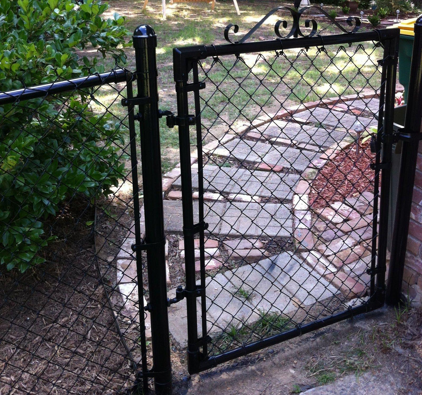 Gate Chain Link Painted Black Jpg 1 600 1 497 Pixels Painted Chain Link Fence Chain Link Fence Chain Link Fence Gate