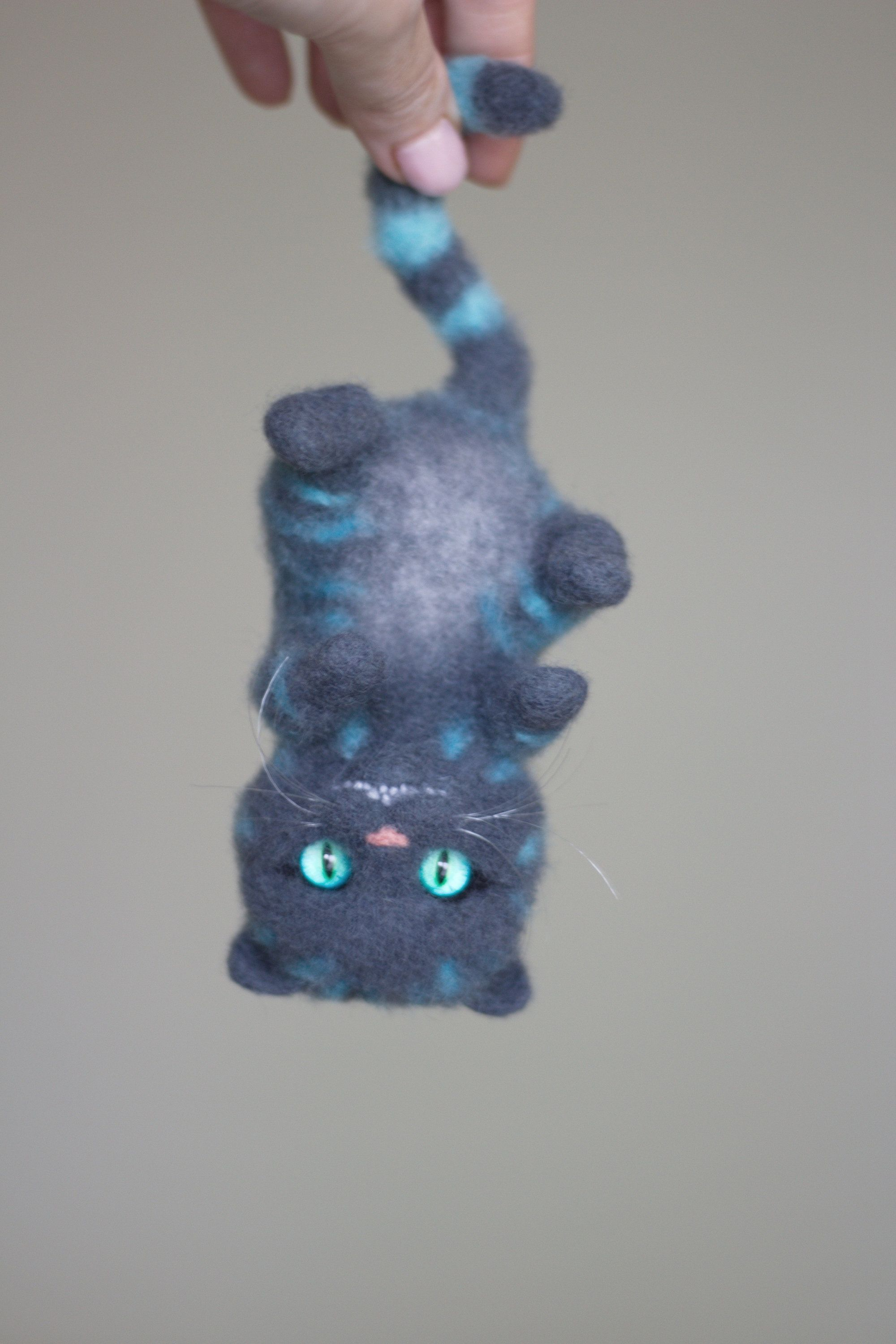Made to order! Cheshire Cat toy needle felt Alice in Wonderland felted kitten cat sculpture needle felted animal wool Christmas gift #needlefeltedcat