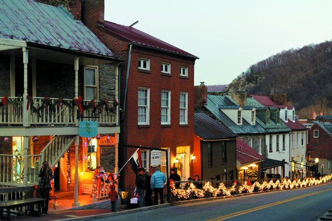 Harpers Ferry Olde Tyme Christmas 2021 Olde Tyme Christmas At Harper S Ferry Photographed By Douglas Pettway Photography West Virginia Travel West Virginia Country Roads Take Me Home