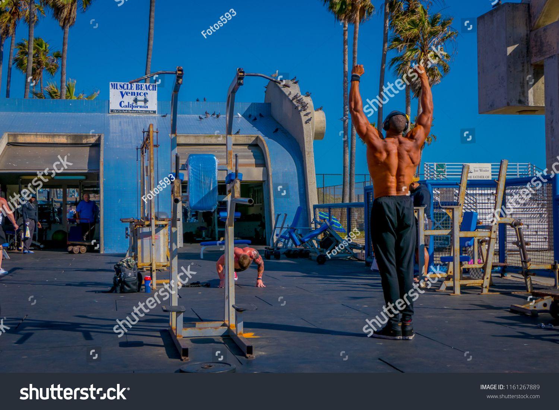 Los Angeles California Usa June 15 2018 Muscle Beach Gym On Venice Beach Muscle Beach Is A Landmark Outdoor Gy Muscle Beach California Usa Venice Beach