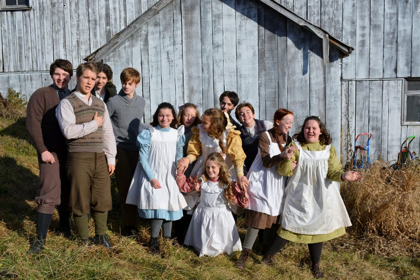 Anne With An E Young Cast On Set Of Season 2 Anne Shirley Anne