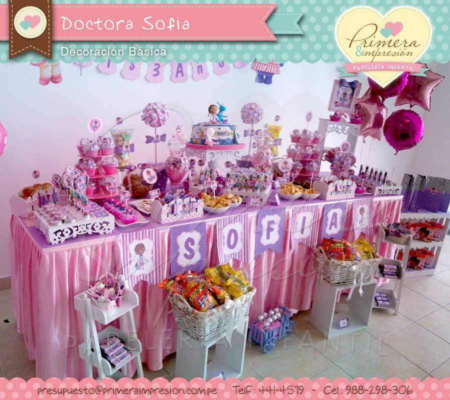 Mesa decorada de doctora juguetes doctora juguetes - Mesas decoradas para fiestas ...