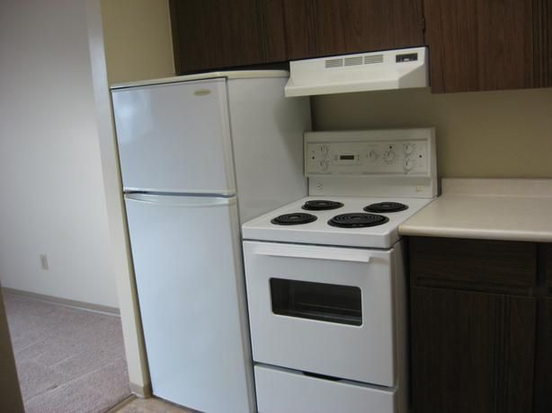 Newdale Apartments Studio Suite Close To U Of M Free Utilities Included With Any Of These Studio 1br Suites Apartment Guide Rental Apartments Home Appliances