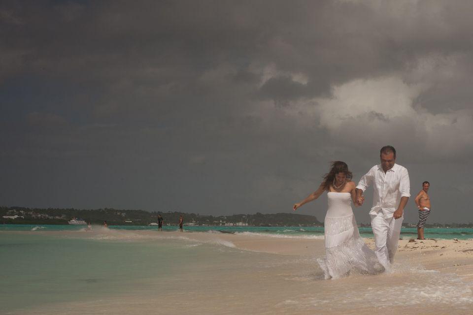 Matrimonio Catolico En La Playa Colombia : Boda en la playa de san andres colombia