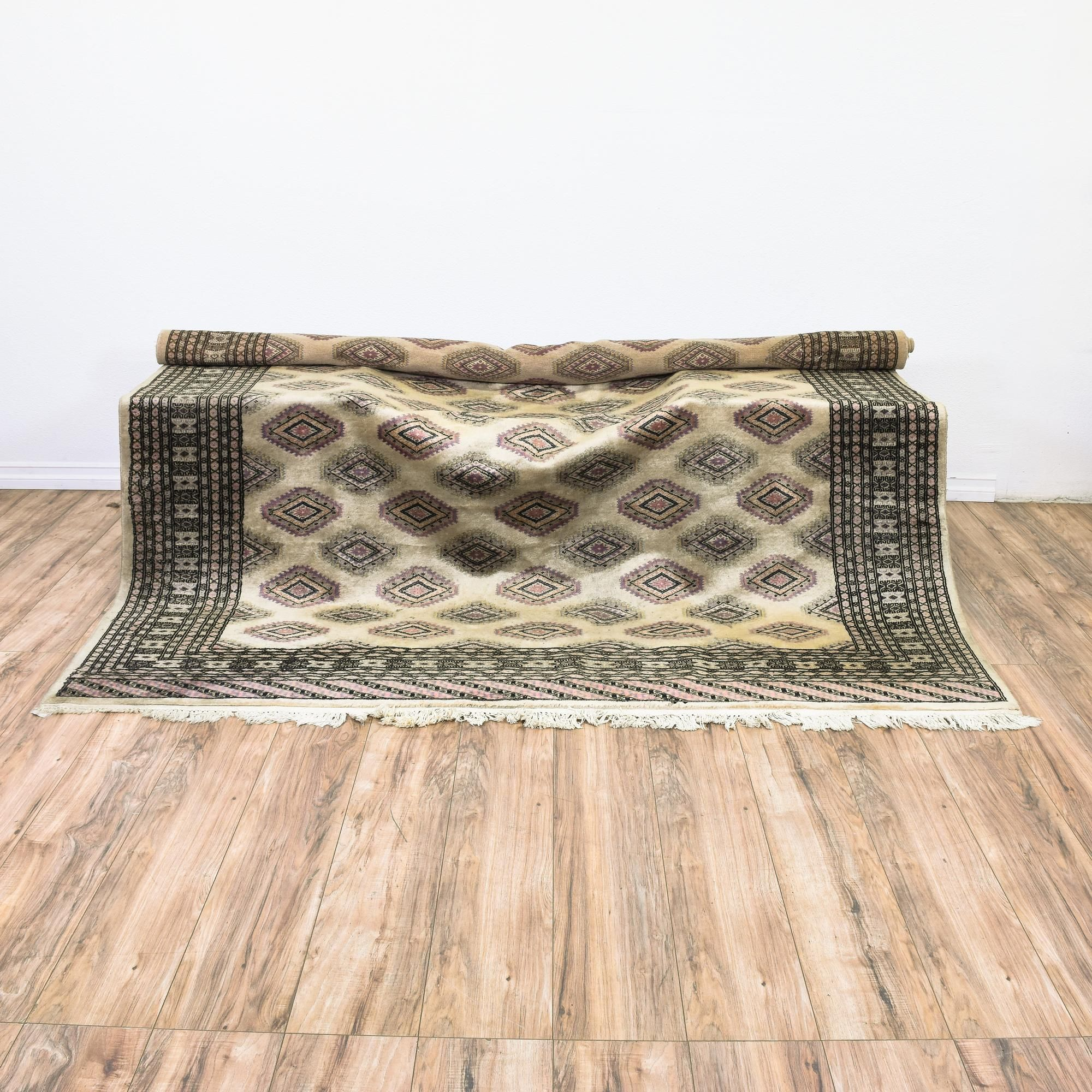This Pakistan Bokhara rug is woven in