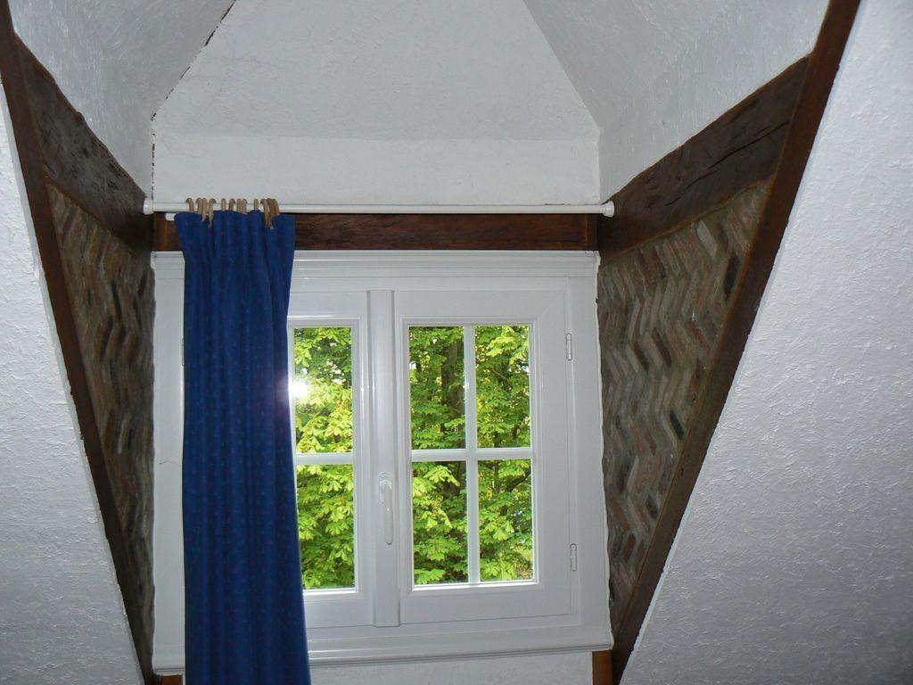 Bien connu chambre avec lucarne | Isolation des côtés en briquettes d'une  LC45