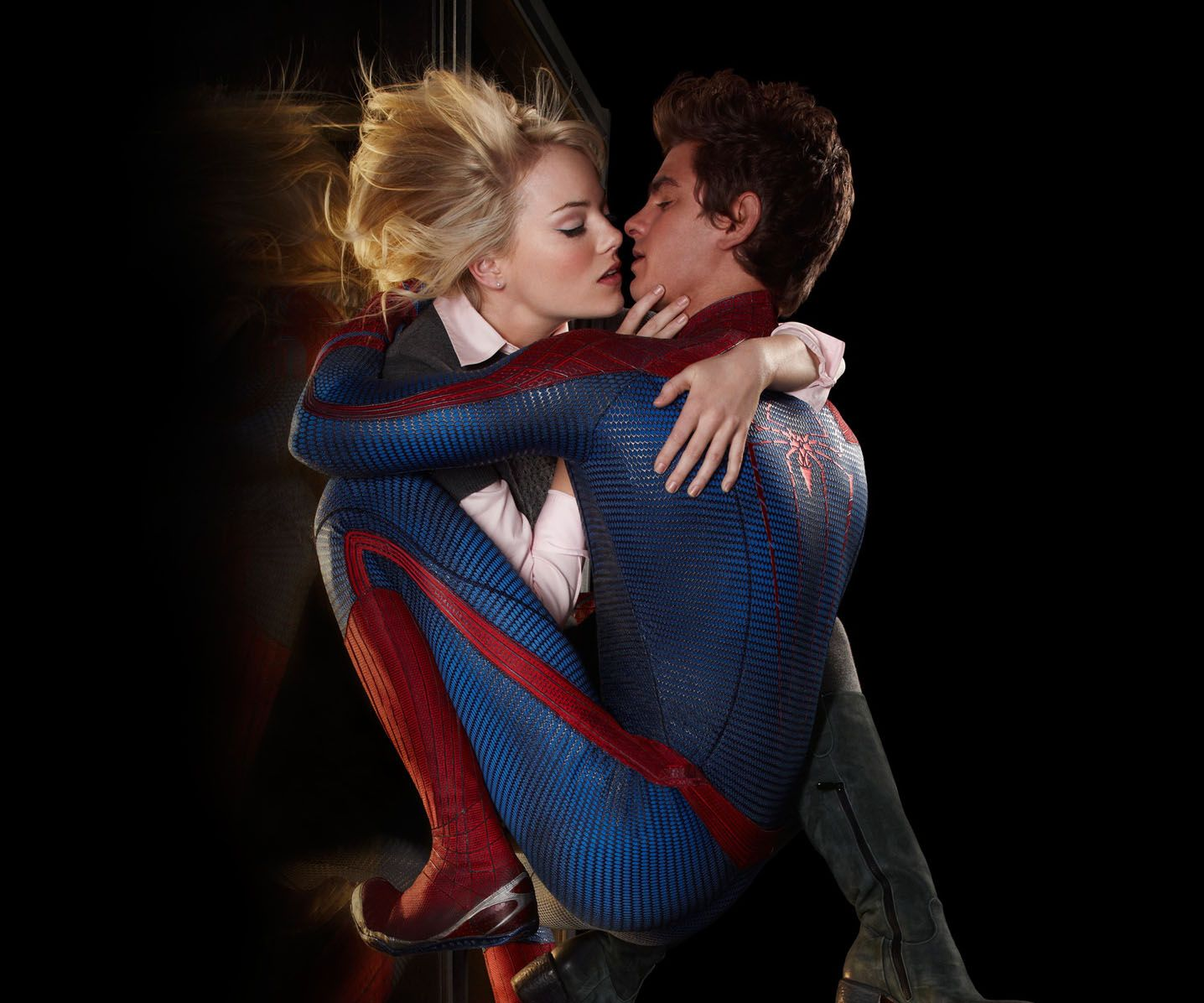 Amazing Spider Man Love Kiss Hd Wallpapers Spiderman Gwen Stacy