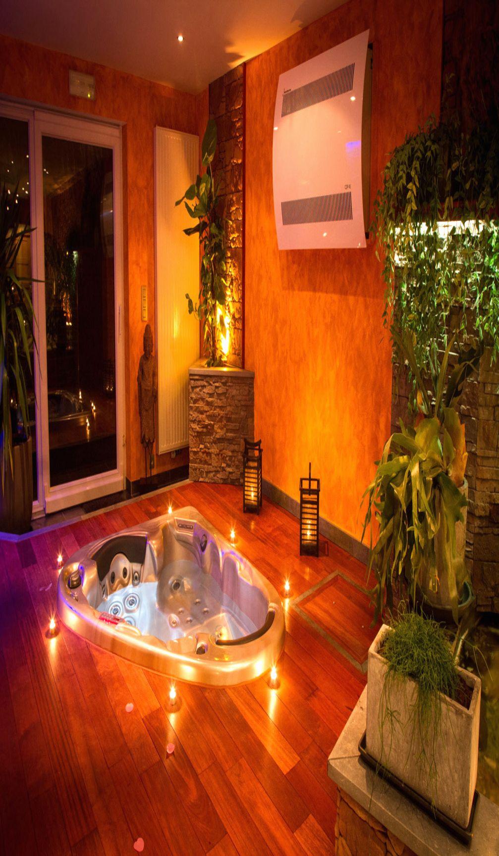 Hotel Avec Jacuzzi Dans La Chambre Bretagne Chambres Avec Jacuzzi En 2020 Chambre Spa Privatif Jacuzzi Spa Privatif