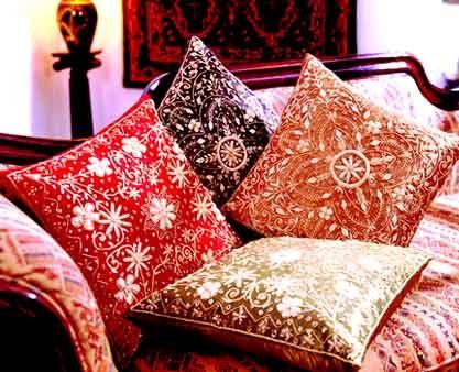 تشكيلة وسائد روعة صور منتدى عالم الأسرة والمجتمع Throw Pillows Pillows Bed