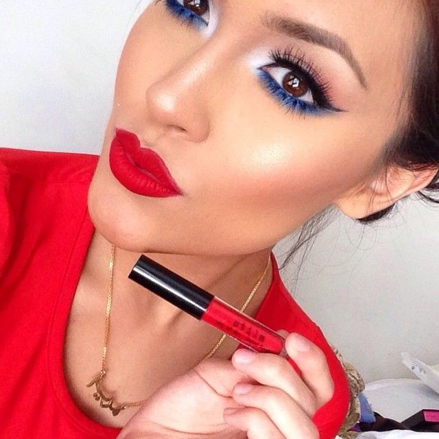 Now Kiss And Makeup: Beauty Makeup, 4th Of