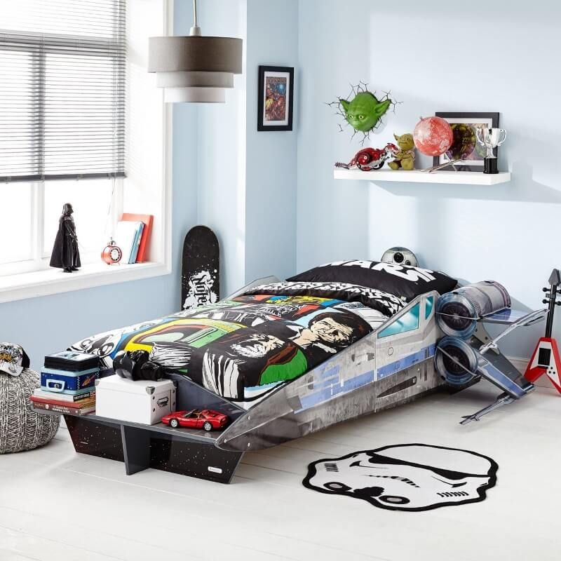 A Choice Force Awakens Themed Single Beds And A Bed Canopy