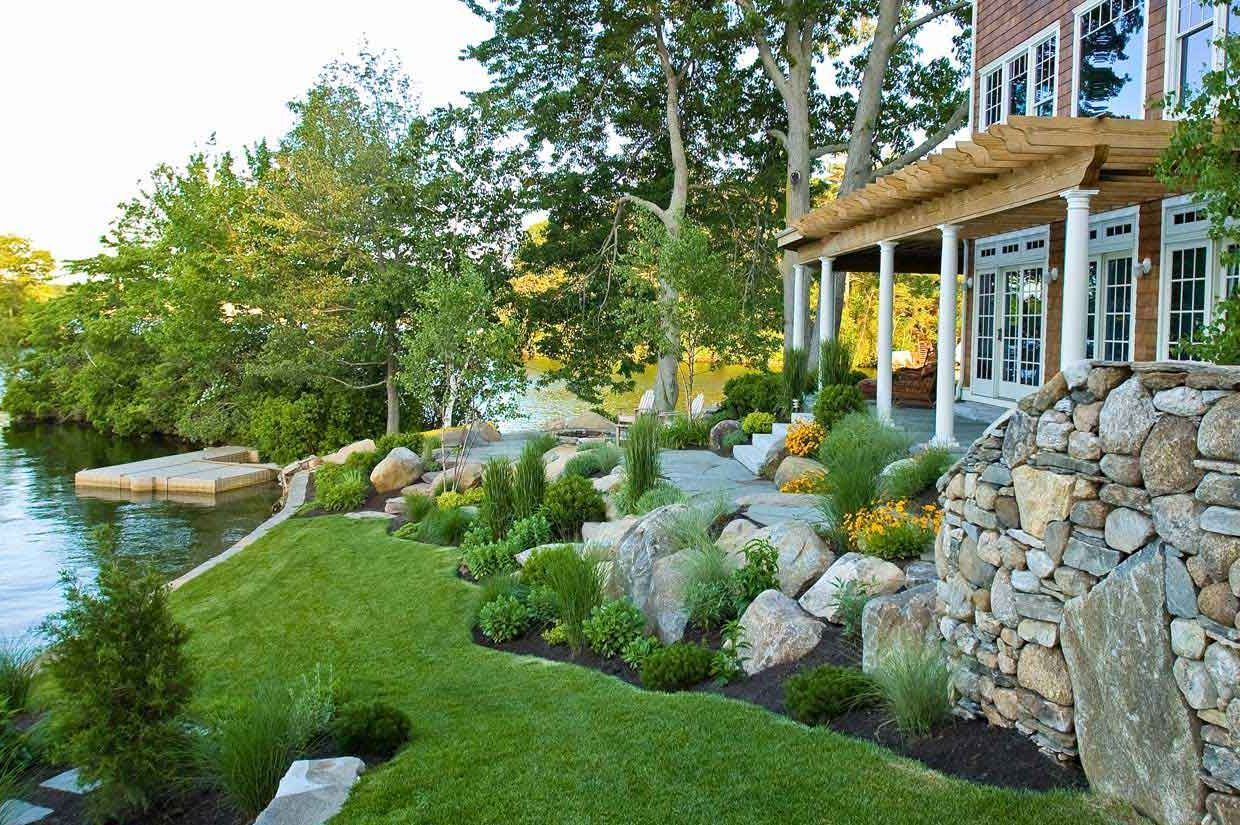 Garden , Best Looking Design Garden In House Landscape Photos : Lake House House Landscape Photos