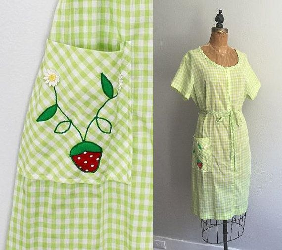 Vintage 1960s Gingham Dress / 60s Lime Green Daisy Strawberry Zip Front Dress - XL/Plus