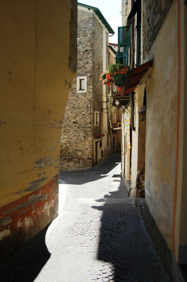 Dolceacqua (IM) quartiere del Borgo