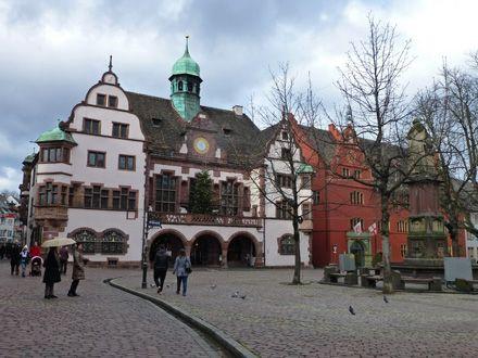 Antiguo y Nuevo Ayuntamiento de Friburgo de Brisgovia, Alemania