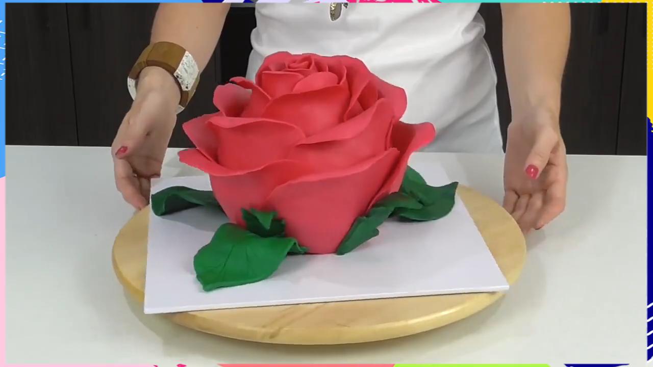 Photo of Giant Rose Flower Cake