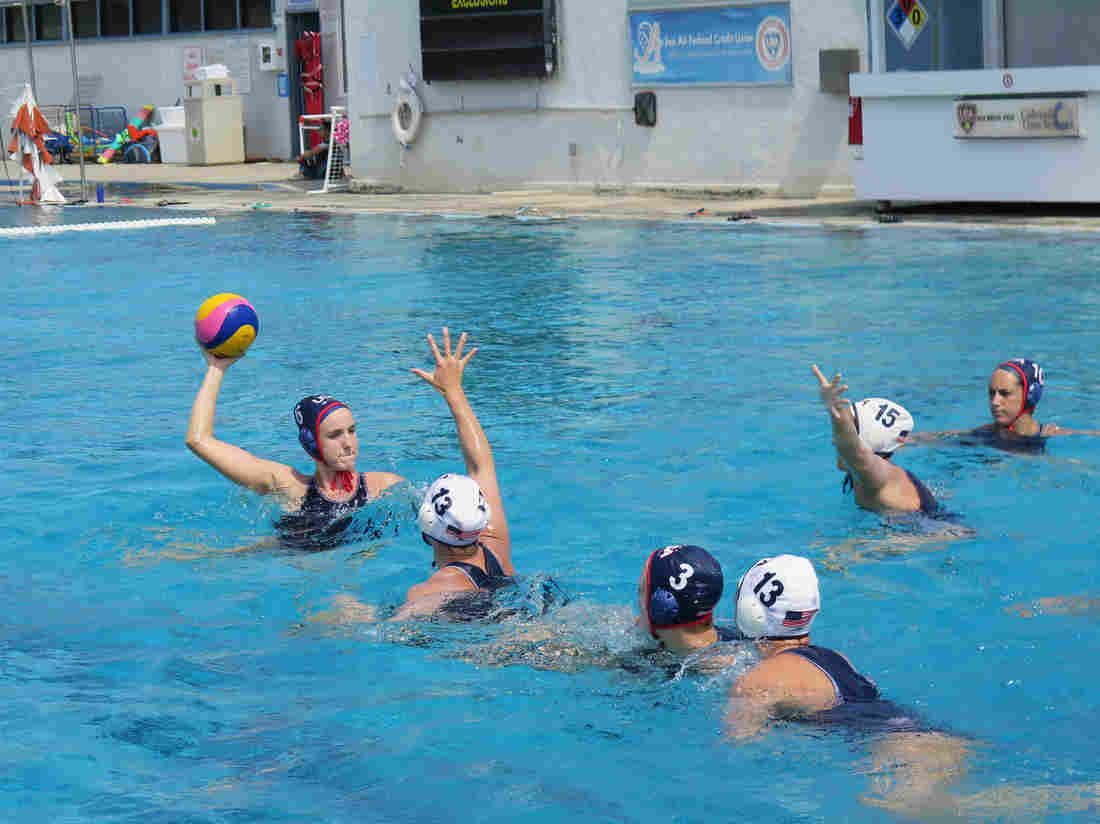 In Women S Water Polo Americans Aim For A Repeat Women S Water Polo Water Polo Water Polo Team