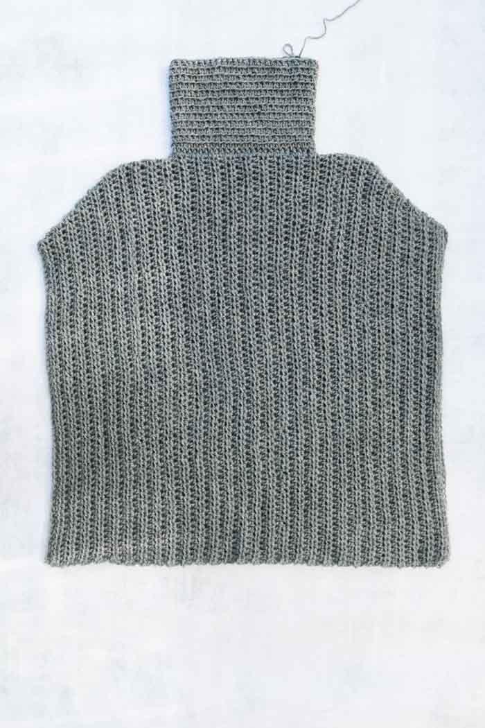 Minimalist Free Crochet Poncho Pattern   Anleitungen   Pinterest ...
