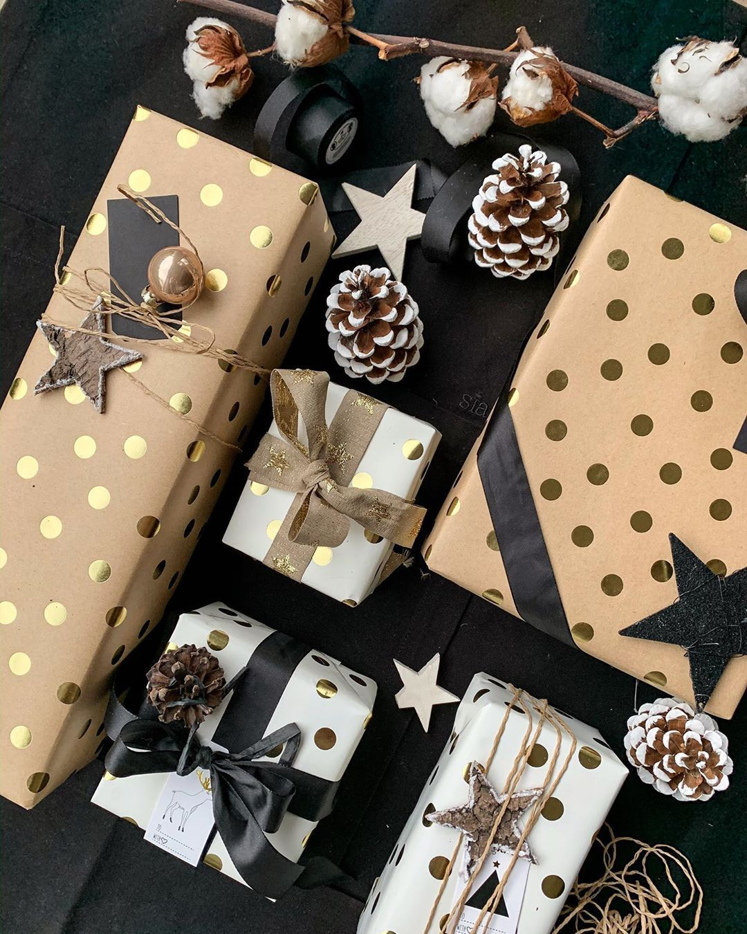24 Cute Diy Christmas Gift Wrapping Ideas The Creatives Hour Elegant Gift Wrapping Christmas Christmas Gift Wrapping Diy Christmas Gift Wrapping