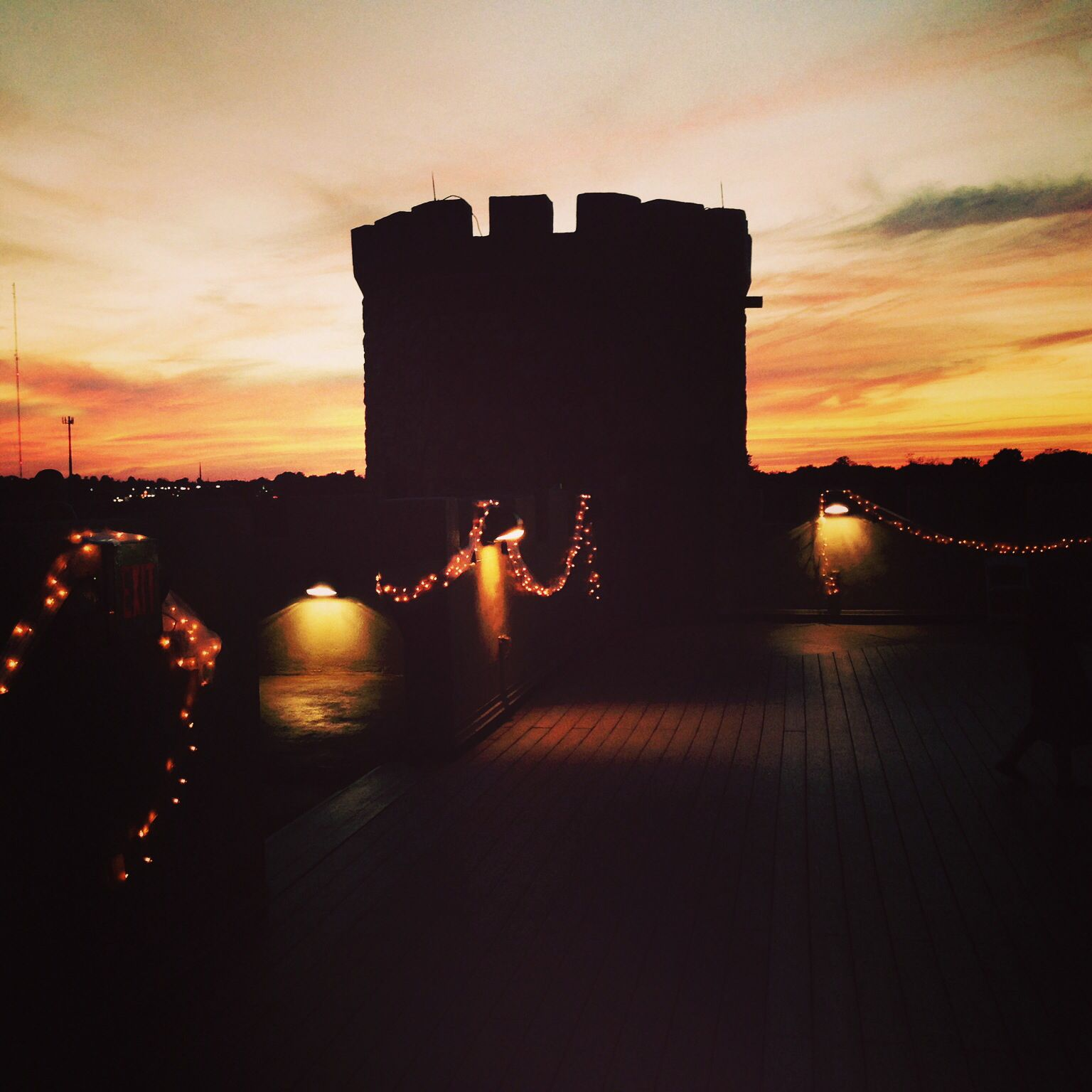 Daily dream home your private castle hotel in versailles kentucky - Castle Post Versailles Ky Wedding Bed And Breakfast Princess For A Day