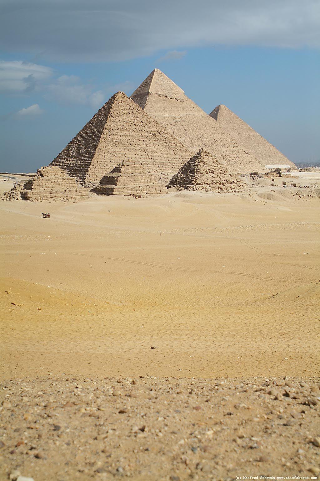 Portrait Of The Giza Pyramids Valley Of The Kings Giza Egypt Giza Egypt Ancient Egypt