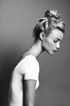 long neck model - Google Search (With images) | Bun hairstyles, Hair inspiration, Spring hairstyles