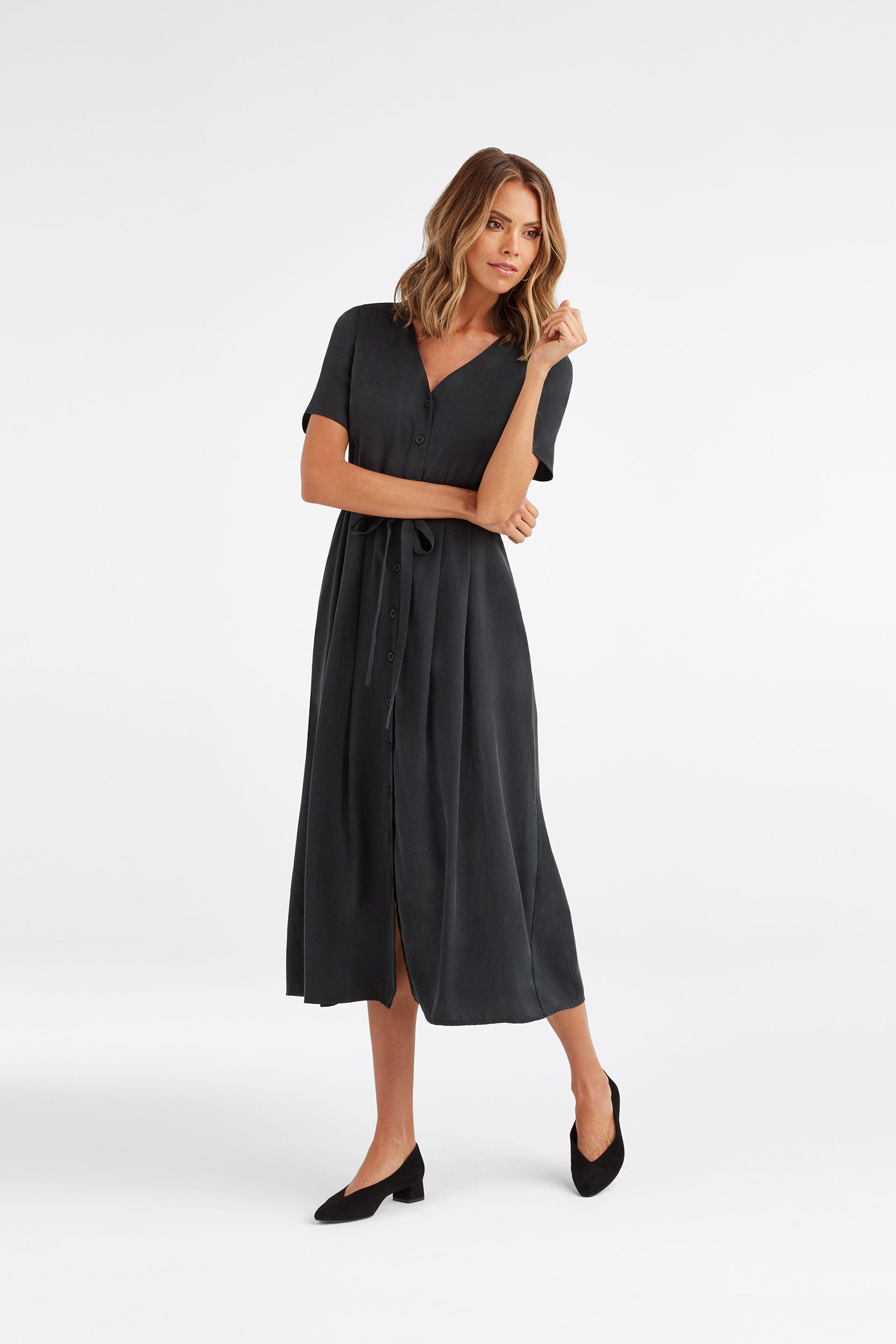 The Button Up Midi Dress Vetta Midi Dress Outfit Dresses Capsule Outfits [ 2500 x 1667 Pixel ]