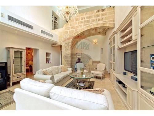 House Of Character Malta Luxury