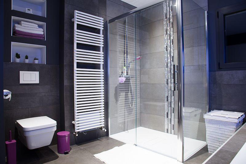 Salle de bains enfants - Maison cubique dans le 68 par bztwn sur
