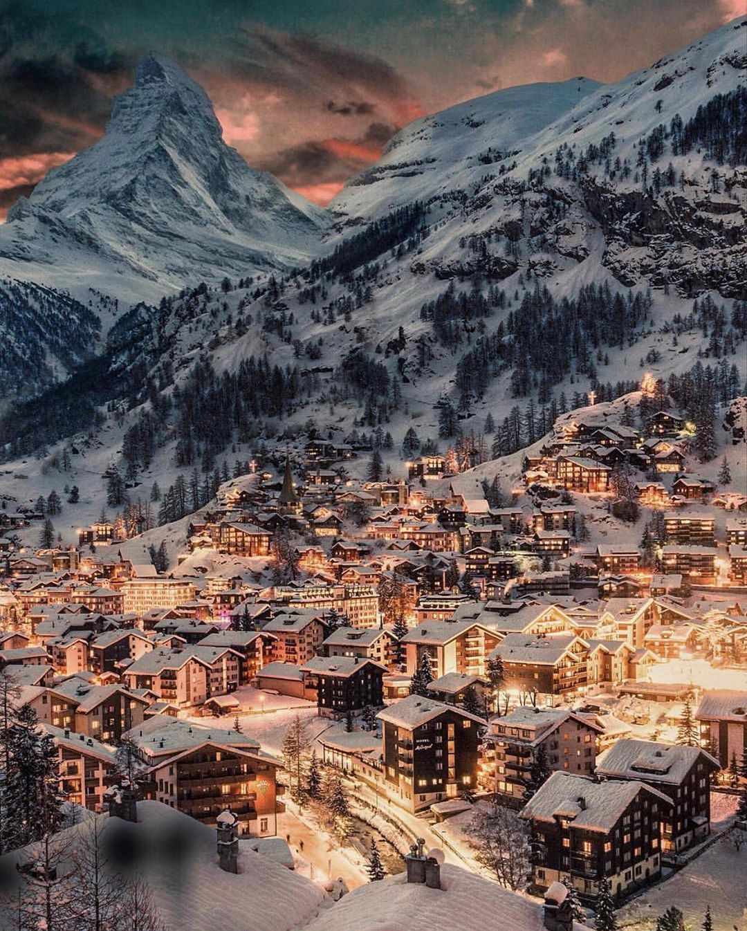 """Photo of TRAVELLING THROUGH THE WORLD © on Instagram: """"Winter dreams ☃️✨😍 Courtesy of @golden_heart  Founders: @takemyhearteverywhere 📍Zermatt, Switzerland 🇨🇭 Tag your best travel photos with…"""""""