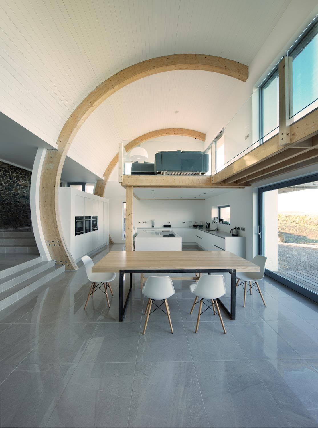 2020 Architects redesigned an old blacksmiths cottage into contemporary…