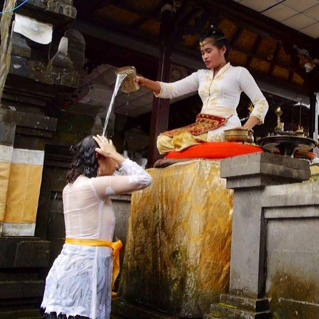 Trip to Bali to experience the divine feminine nourishment of the island and the High Priestess