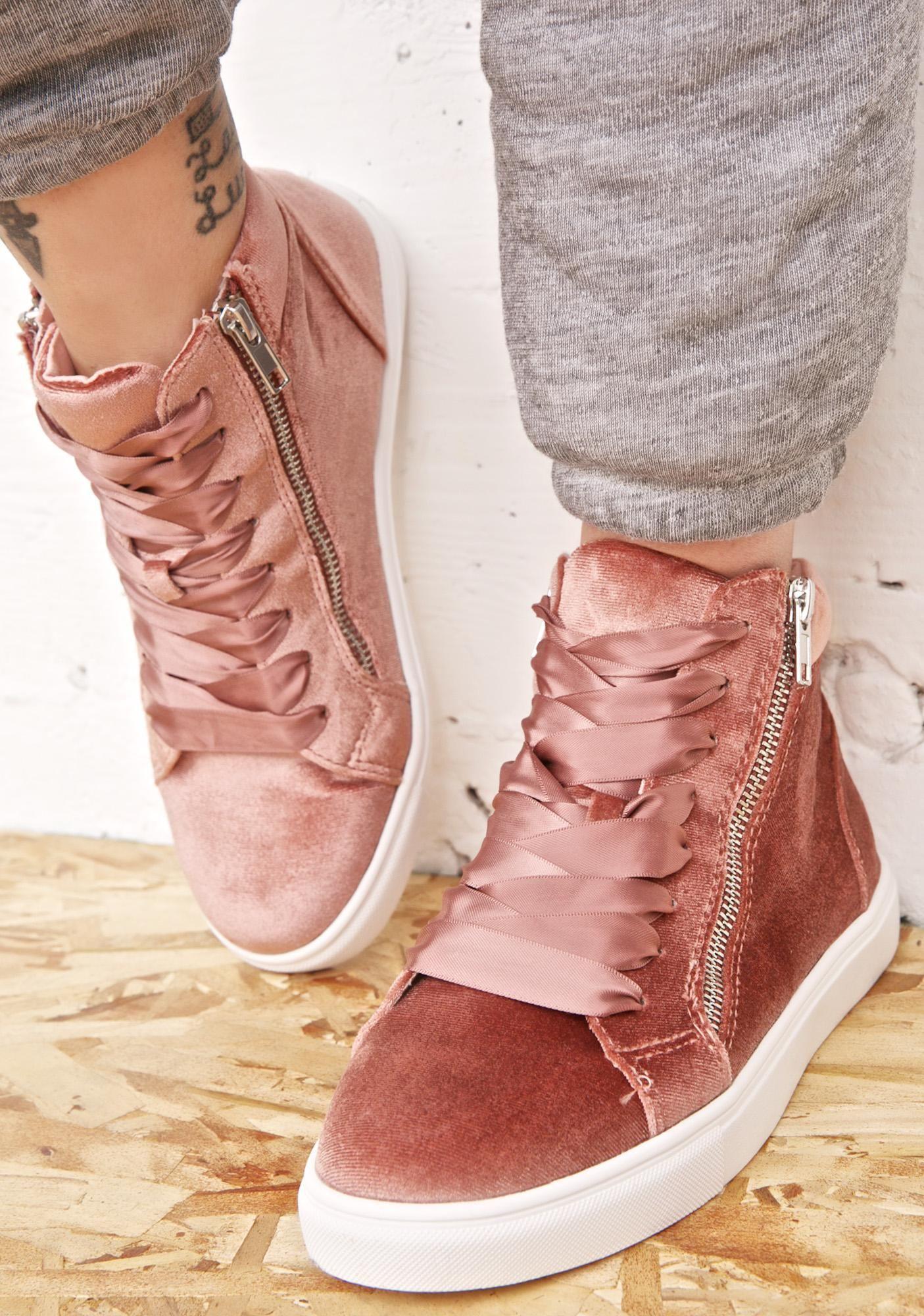 Arrastrarse crema estrecho  Steve Madden Earnst Velvet Sneakers   Velvet sneakers, Velvet shoes outfit,  Velvet shoes