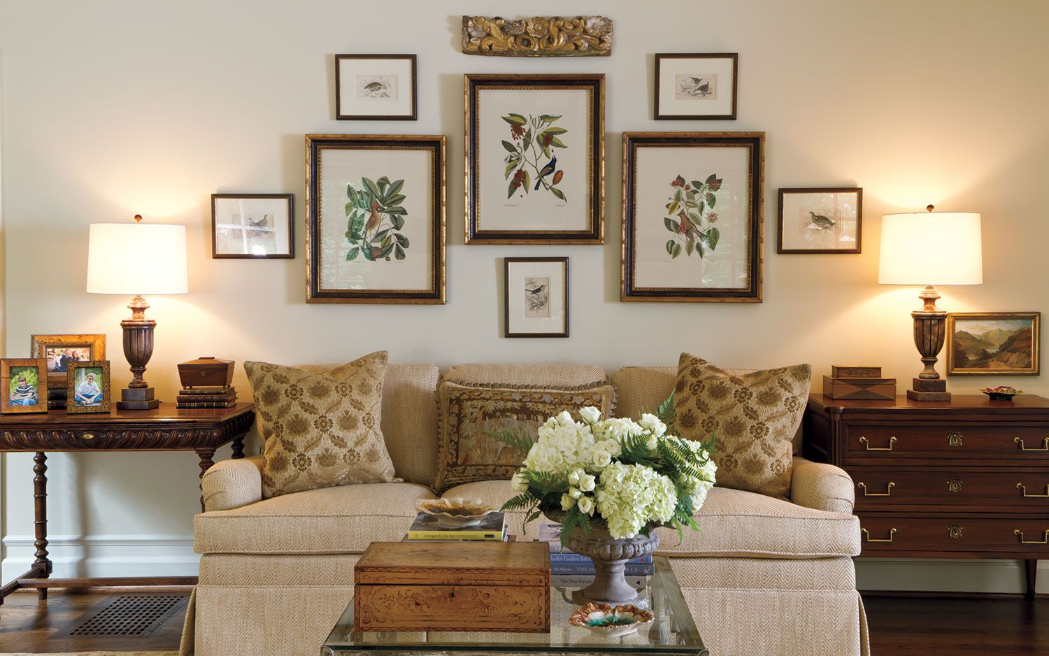 Gracious Groupings: Tips For Decorating Halls And Walls · Country Living  RoomsFormal ...